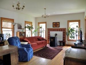 Henze Living Room BEST Bright