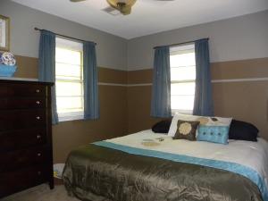 Switzer Master Bedroom BEST 2014