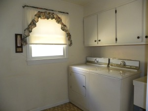 Lillard Laundry Room 2014
